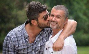 George Michael lascia tutto alle sorelle e al padre. Il compagno Fadi Fawaz escluso dal testamento