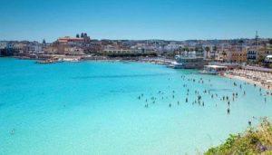 """Puglia, operatore turistico al turista: """"Troppi 4 mila euro al mese di affitto? Lei è un morto di fame"""""""