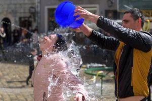 Montebelluna. Stop ai gavettoni di fine anno scolastico: sindaco chiude tre giorni tutte le fontane