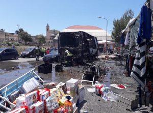 Gela, esplosione al mercato: sette feriti. Due sono gravi