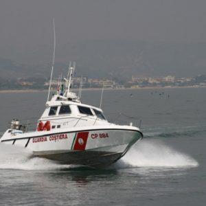 Giulianova, ritrovato il corpo del quindicenne disperso in mare (foto Ansa)