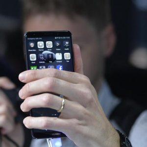 Huawei, nuovi smartphone senza Facebook, Whatsapp, Instagram, Google...Chi sarà il prossimo?