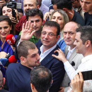 Turchia, Imamoglu nuovo sindaco di Istanbul: sconfitto (di nuovo) il candidato di Erdogan