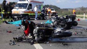 Lorenzo Carbone muore tra Campi Salentina e Guagnano (Salento): incidente con la moto