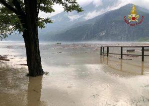 Maltempo in Lombardia: Valle Spluga isolata per le frane, persone intrappolate 12 ore in galleria