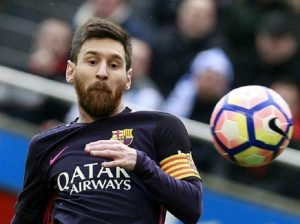 """Leo Messi disperato: """"Mio figlio esulta quando segna... il Real Madrid"""" (foto Ansa)"""