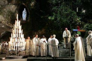 Lourdes, troppi soldi e poca misericordia: Papa Francesco manda l'ispettore