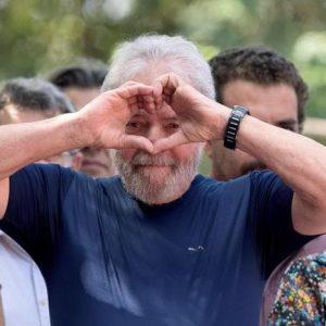 Lula resta in carcere in Brasile ma ora indizi, quasi prove, di come l'hanno incastrato