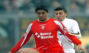 Mario Jardel con la maglia dell'Ancona (foto Ansa)