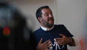 """Don Aldo Antonelli: """"Salvini? E' come Hitler. I disgraziati però lui li butta in mare"""" (foto Ansa)"""