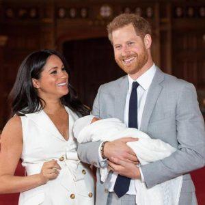 """Meghan Markle, l'ultimo gossip: """"Vuole tornare a vivere in Usa con Harry e il piccolo Archie"""""""