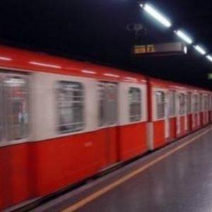 Milano, aumenta biglietto di metro bus e tram: dal 15 luglio costerà 2 euro