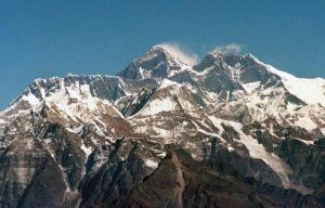 Himalaya, avvistati cinque corpi sul Nanda Devi: forse sono degli otto scalatori dispersi