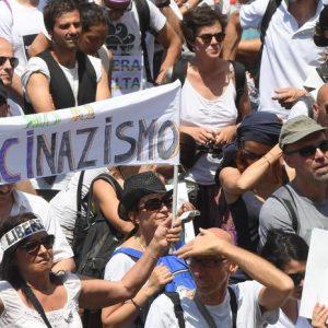 """No-vax alla Camera, il vade retro di Giulia Grillo: """"Tanto vale Wanna Marchi ministro..."""""""""""