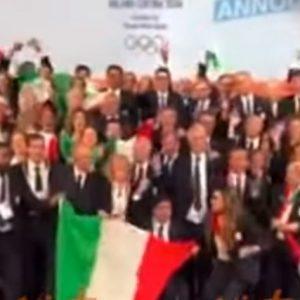 Olimpiadi 2026 a Milano e Cortina, l'esultanza della delegazione italiana