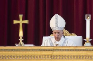 Suora celebrò un matrimonio. Il vescovo che lo permise rimosso da papa Francesco
