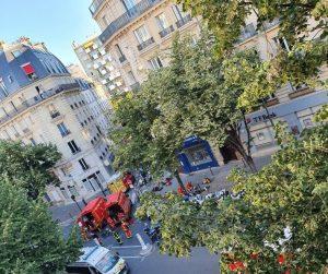 Parigi, incendio in un palazzo: tre morti, 27 feriti e intossicati