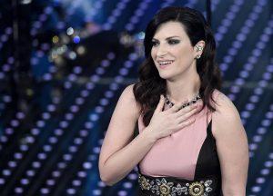 Buon compleanno Pippo, Laura Pausini si commuove durante il collegamento