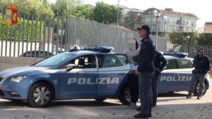 Bologna: un nigeriano manda in ospedale 3 poliziotti. Arrestato ma viene subito liberato