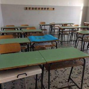 Napoli: prof arrestato per abusi su studentesse si uccide con un colpo di pistola