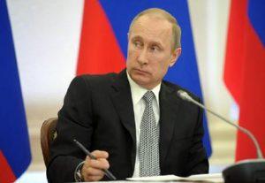 """Il generale Wesley Clark: """"Putin potrebbe scatenare una nuova guerra nei Balcani"""" (foto Ansa)"""