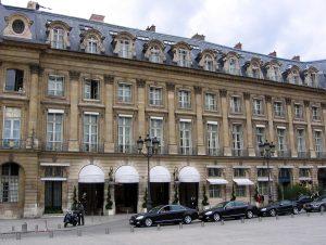 Mohamed Al-Fayed lascia la presidenza dell'Hotel Ritz di Parigi