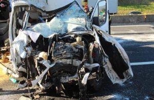 A1. scontro tra due auto e un mezzo pesante all'altezza di Torrenova: un morto (foto d'archivio Ansa)