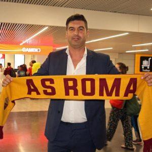 Fonseca è arrivato a Roma, pochi tifosi ad attenderlo all'aeroporto