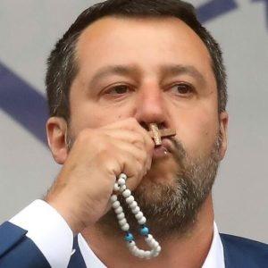 Salvini contro Luciana Breggiae Matilde Betti, un saggio di machismo giudiziario populista