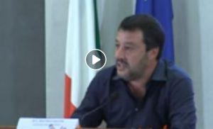"Sea Watch, Salvini: ""Parlamentari Pd a Lampedusa complici, siamo su Scherzi a parte"""