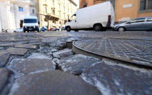 Sampietrini a Roma: tolti da 68 vie, arrivano in altre 113