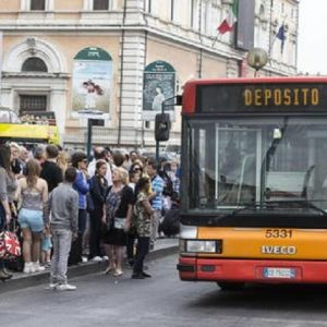 Sciopero trasporti Roma, orari e fasce di garanzia: bus, metro e tram (foto d'archivio Ansa)