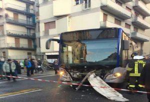 Tessera (Venezia), schianto tra auto e bus: due morti. Un bambino in gravi condizioni (foto d'archivio Ansa)