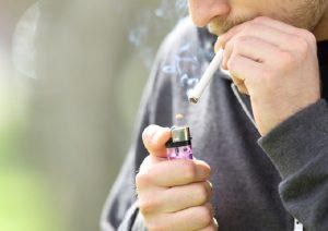 Sigarette, se il padre fuma può trasmettere l'asma al futuro figlio