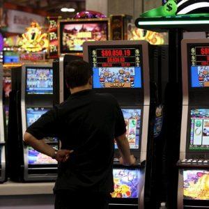 Gioco d'azzardo illegale, Comune di Salerno in azione per prevenirlo