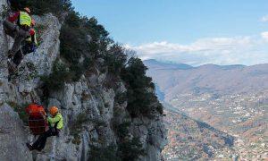 Val di Fassa: base jumper britannico si schianta contro le rocce e muore