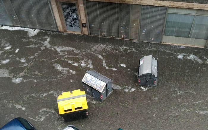 Nubifragio e grandine a Torino: danni, allagamenti e alberi caduti 02