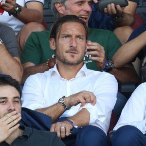 """Totti lascia la Roma, i motivi dell'addio. Quando Conte gli disse: """"Vengo, parliamone..."""""""