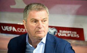 Montenegro: il ct serbo Tumbakovic non va in panchina contro il Kosovo. Esonerato