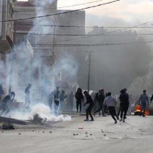 Tunisia, forte esplosione a Tunisi vicino l'ambasciata francese (foto d'archivio Ansa)