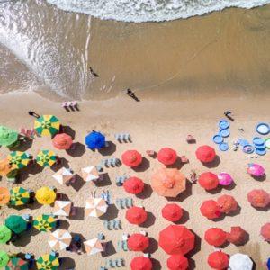 Turismo, per la prima volta da 5 anni le presenze queste'estate saranno in calo in Italia: -2 milioni (foto Ansa)