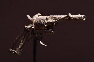 Van Gogh, venduta all'asta per 162 mila euro la pistola con cui si uccise