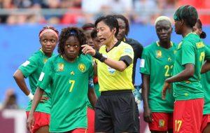 Var indigesta, Camerun femminile minaccia di lasciare il campo contro Inghilterra
