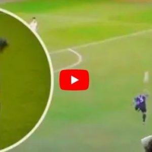 Youtube Roberto Carlos fenomenale anche a 46 anni, il suo tacco al volo spopola sui social VIDEO