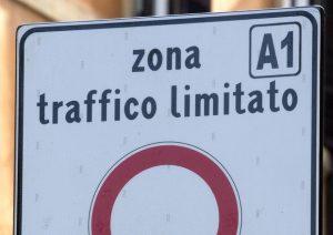 La decisione della sindaca Raggi che scontenterà i romani: si rischiano multe salate