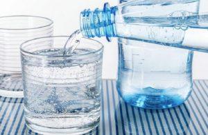 acqua-bottiglia