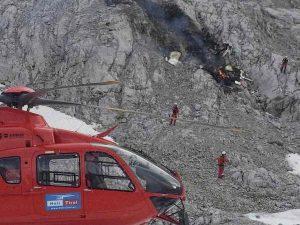Scontro tra aerei da turismo al Colle della Maddalena: due morti, un disperso