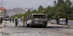 Afghanistan, bomba contro bus: almeno 34 morti. Tra le vittime donne e bambini