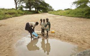"""""""Aiutiamoli a casa loro"""" di Giuseppe Turani: per lo sviluppo in Africa servono 300/400 centrali nucleari"""