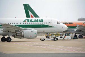 Alitalia finirà nelle mani dei Benetton? Che farà Di Maio?